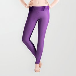 Wicker triangular strokes of intersecting sharp lines with amethyst triangles and stripes. Leggings