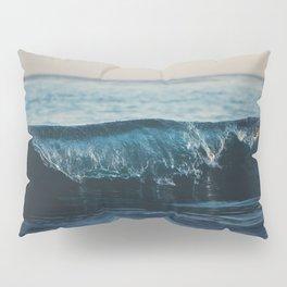 the wave ... Pillow Sham