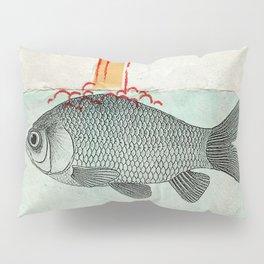 Periscope Goldfish Pillow Sham