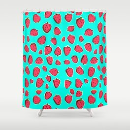 Fresas de invierno Shower Curtain