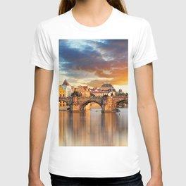 Historic Charles Bridge Prague Czechia Vitava River Europe At Romantic Evening Red Ultra HD T-shirt