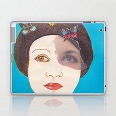 MARIPOSAS EN LA CABEZA Laptop & iPad Skin