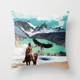 The eagle's journey Throw Pillow