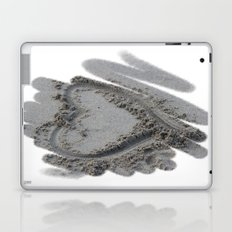 Love in the sand Laptop & iPad Skin