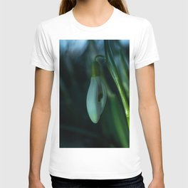 Makro_Schneeglöckchen_1 T-shirt