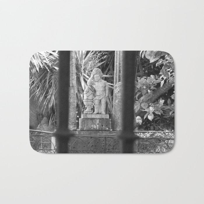 Statue Bath Mat