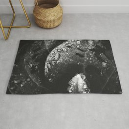 Plant Leaf Water Drops Black And White Rug