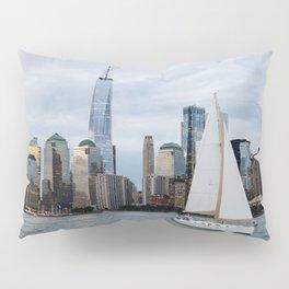 Sailing boat against skyline of New York Pillow Sham