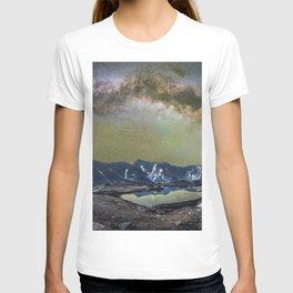 Milky way over loveland pass T-shirt