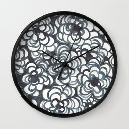 Black roses Wall Clock