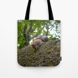 Snail on walk Tote Bag