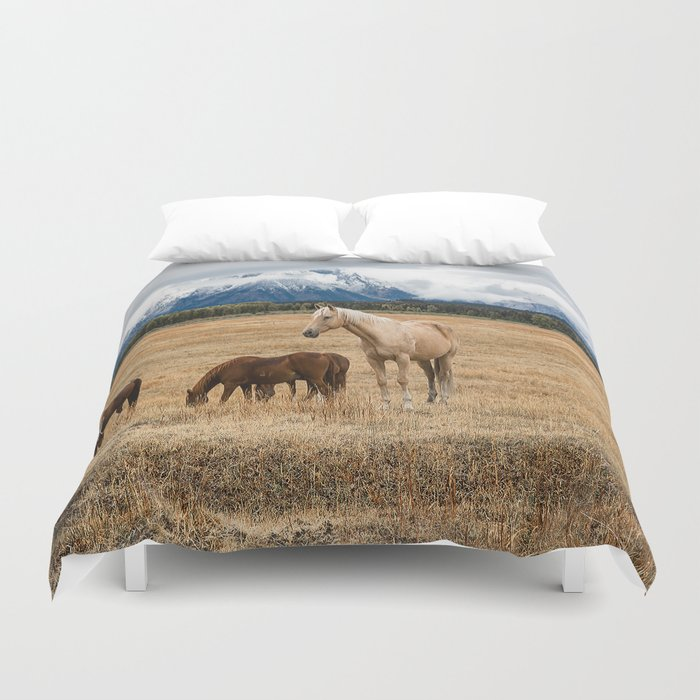 Mountain Horse - Western Style in the Grand Tetons Duvet Cover