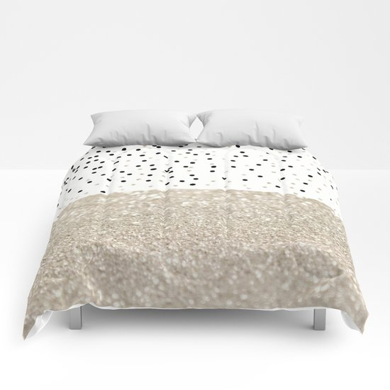 FIRST DATE NUDE  Comforters