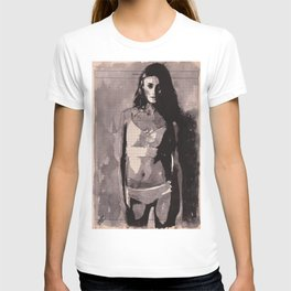 Immagine di donna - ink drawing over vintage book page T-shirt