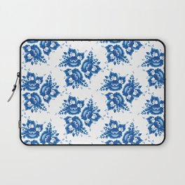 Vintage shabby Chic Seamless pattern with blue flowers and leaves. Vector Laptop Sleeve