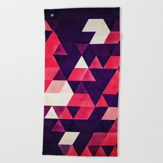 cyrysse lydy Beach Towel