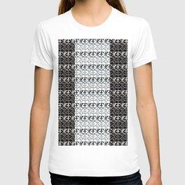 Pattern reversed T-shirt