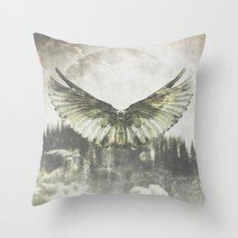 Wilderness in my heart Throw Pillow