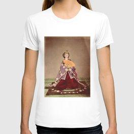 Japanese Empress Shōken T-shirt