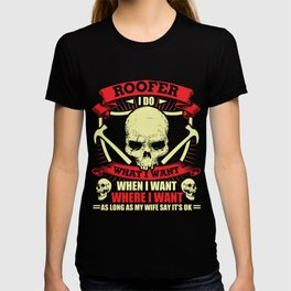 Roofer T-Shirt Proud Roofer Skull Graphic Clothing T-shirt