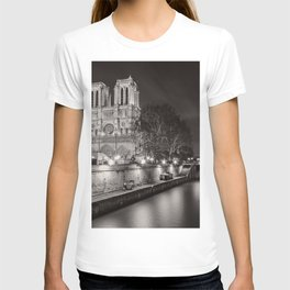 Notre Dame Cathedral, Paris, France on the River Seine black and white photograph / art photography T-shirt
