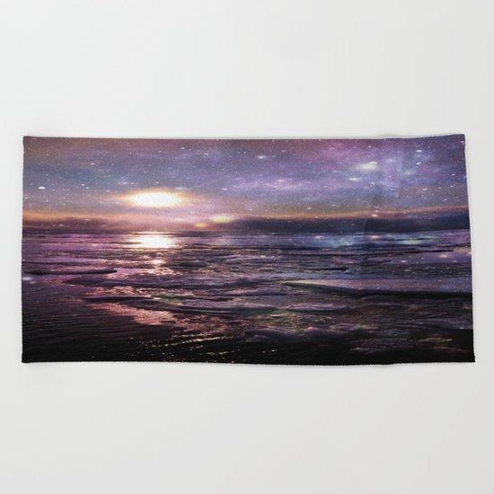 mystic waters Beach Towel