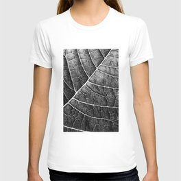 LEAF STRUCTURE no2 BLACK AND WHITE T-shirt