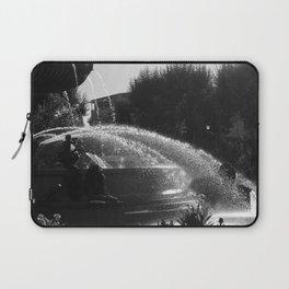 la fontaine de jouvence Laptop Sleeve
