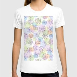 Merry Christmas pattern with purple snowflakes on light background T-shirt