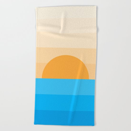 Sun goes down Beach Towel