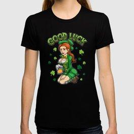 Good Luck - Beautiful Irish Girl - Cloverleaf T-shirt