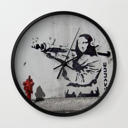 mona lisa - banksy Wall Clock