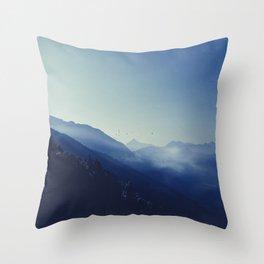 daybreak blues Throw Pillow