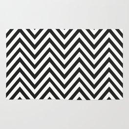 Geometric B/W Lines Pattern Rug