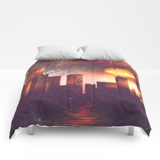 Good night Manhattan Comforters