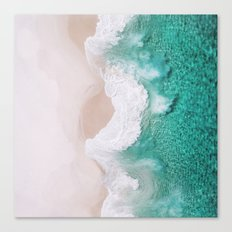 Waves spread out on the coast Canvas Print