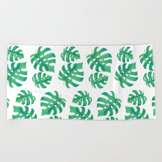 Tropical pattern with monstera leaves Beach Towel