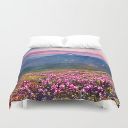 Blooming mountains Duvet Cover