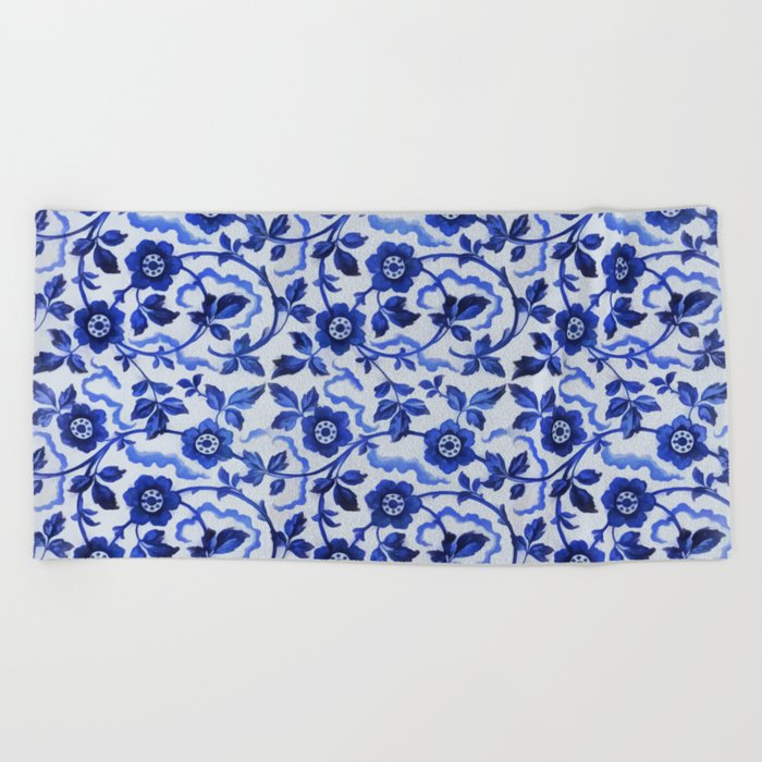 Azulejos blue floral pattern Beach Towel