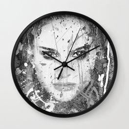 Serie 25 - Natalie Portman Wall Clock