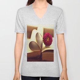 Libro de amor Unisex V-Neck