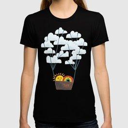 Hot cloud balloon - sun and rainbow T-shirt