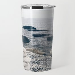 White stones Travel Mug