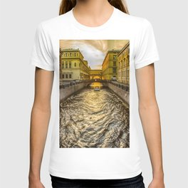 Swan Canal in St. Petersburg T-shirt