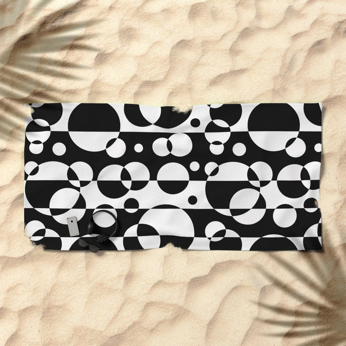 Black White Geometric Circle Abstract Modern Print Beach Towel