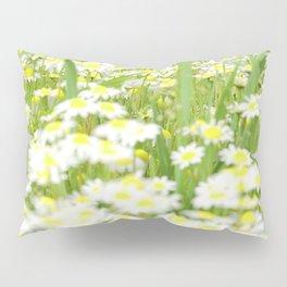 Field of daisies Pillow Sham
