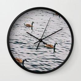 Oies dans le Lac Michigan Wall Clock