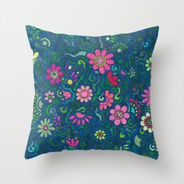 Verde, azul y rosado. (Green, blue and pink) Throw Pillow
