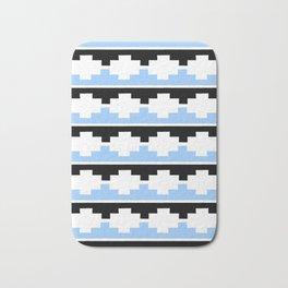 Heraldic – embattled grady- Coupé pigeonné 2 Bath Mat