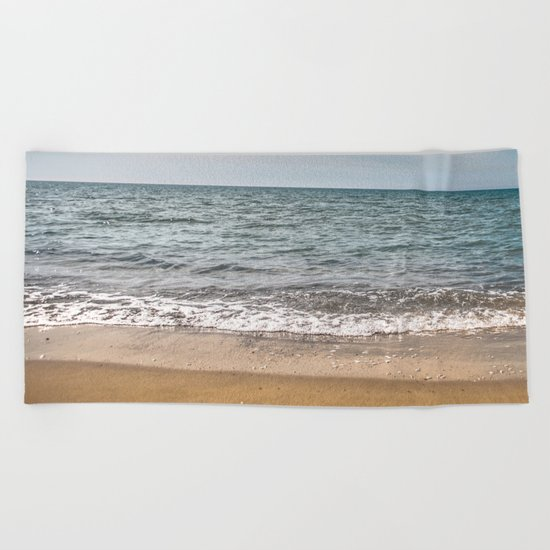 You see right through me Beach Towel